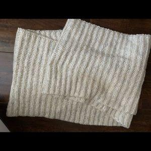 Ivory/Cream/Grey knit scarf